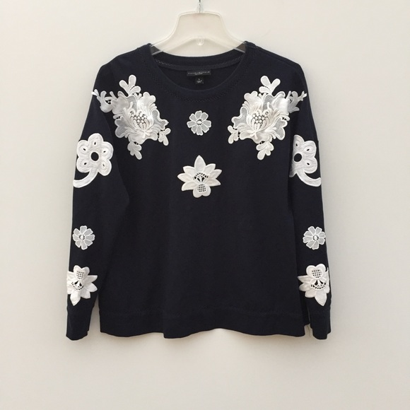 Victoria Beckham for Target Sweaters - Victoria Beckham Lace Floral Pullover Sweater L
